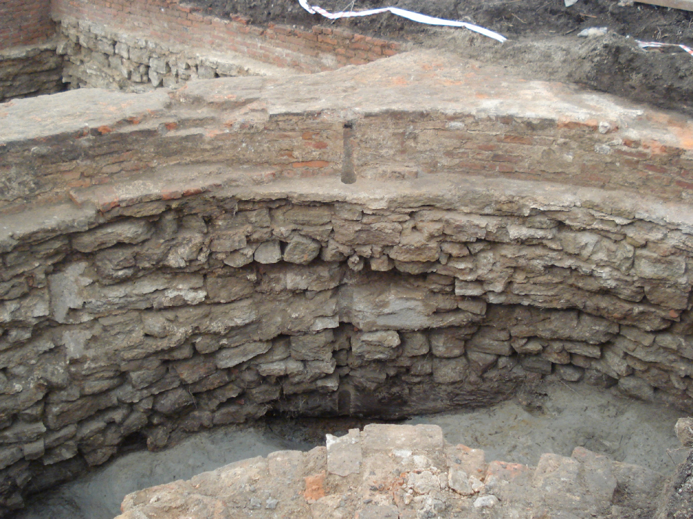 Archaeological excavations, the foundations of the Lithuanian Castle<br>Photographs provided by Evgeniy Gerasimov & partners