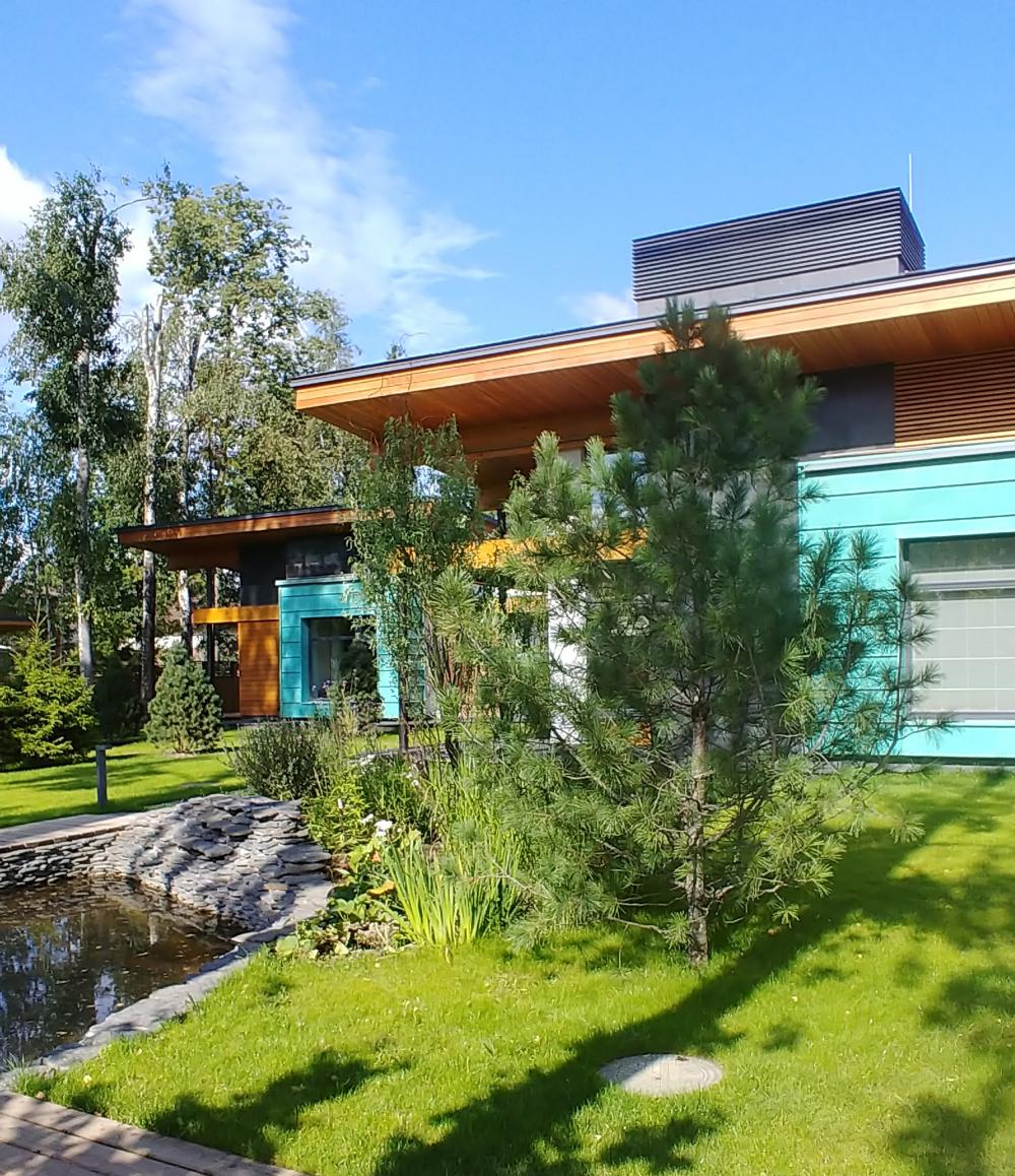 Cool House<br>Copyright: Photograph © Roman Leonidov