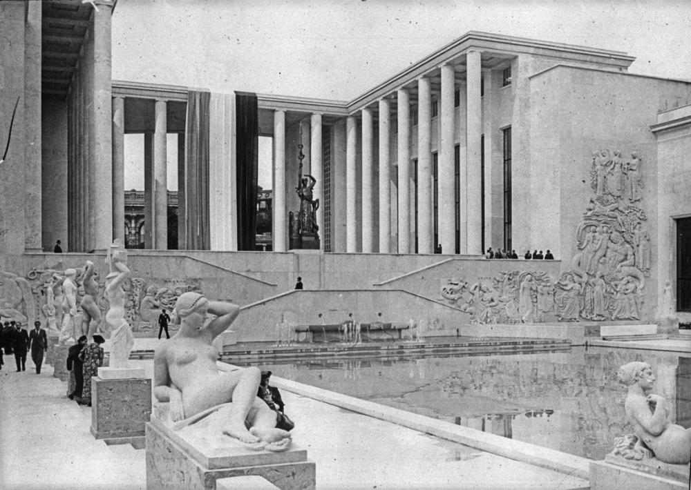 Palais des Tokyo at the Paris Exhibition, 1937<br>Copyright: http://www.museehistoirevivante.fr/evenements/le-front-populaire-la-culture-et-le-peuple-autour-de-l-exposition-universelle: