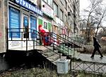 Братство крыльца. Власти и малый бизнес не желают обсуждать с собственниками проблемы перевода жилья в «нежилье»
