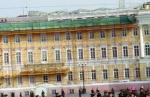 Кто разрешил постоить на крыше Главного штаба «теплицы»
