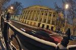 Мосгордуму пристраивают к памятнику