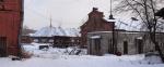 Исторические памятники Варшавского вокзала заваливают грязным снегом со всего Московского р-на
