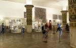 В метро появятся круглые киоски, рекламные лайтбоксы и выставки картин