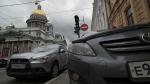 Петербург въедет в зону платной парковки