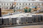 «Гранитные кадки, клумбы и монументальные туалеты придают Москве новое уродство»