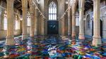 Преображение: художница превратила историческую английскую церковь в храм цвета и света