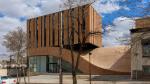 Крыша-волна: это здание в Иране сделано, чтобы по нему ходить