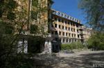 Снести труднее, чем восстановить: летаем над руинами больницы-дворца в джунглях Екатеринбурга