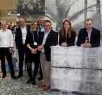 Теренс Рагхунатх, менеджер по развитию бизнеса широкоформатной печати HP в регионе EMEA (в центре). Фотография предоставлена компанией HP Inc.