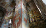 «В XIX веке настоятель Успенского храма обращался с просьбой фресковую живопись уничтожить...»