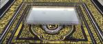Российский художник Покрас Лампас расписал гигантской каллиграфией крышу Квадратного Колизея в Риме