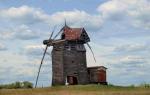 В Воронежской области старинную ветряную мельницу превратили в туалет