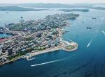 Место в Instagram: Футбольное поле на мысе Купера во Владивостоке