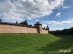 Вал Новгородского кремля треснул