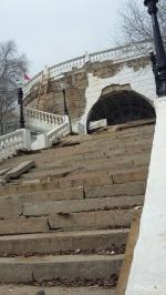 Реставрация набережной в Оренбурге: неудачная работа и уникальная лестница