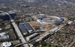 Соседи новой штаб-квартиры Apple пожаловались на шум стройки, яркие прожекторы и испорченный вид