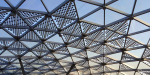 На стеклянный купол в «Зарядье» установили порядка 150 солнечных батарей