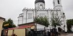 В Ломоносове у Михайловского собора обнаружили самовольную постройку