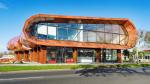 Художественный центр Te Oro (Окленд, Новая Зеландия). Материал ALUCOBOND<sup>®</sup> PLUS, цвет Afro Mahagoni