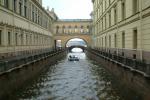 Почему жителям Петербурга приходится отстаивать право на каналы и реки