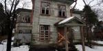 В сестрорецкой Александровской выставили на продажу старинный дом