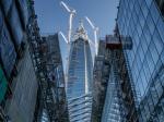 Как строят самый северный небоскреб в мире