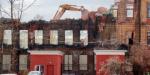 В Державинском переулке сносят старинное заброшенное здание