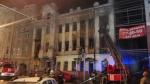В Саратове горит дом с кариатидами
