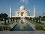 Верховный суд Индии постановил, что разрушающийся Тадж-Махал необходимо если не восстановить, то уничтожить
