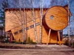 Архитектор из семьи кочевников возводит здания, каждое из которых – экологичный арт-объект