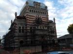 «Это же памятник!»: строители начали разрушать ковшом стену самарской синагоги