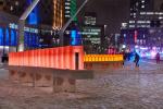 Зимняя светотерапия: инсталляция с «эффектом домино» в Монреале