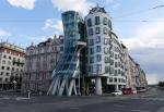 Архитекторы шутят: как выглядят дома, которые построены с юмором