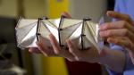 Ученые представили метаматериал, который превращает сжатие в растяжение