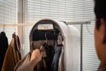 Карло Ратти спроектировал чехол, который «чистит» одежду от вирусов и бактерий с помощью озона