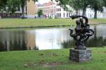В нидерландском Арнеме асфальтовое покрытие хотят частично заменить травой. Это смягчит последствия глобального потепления