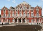Дом приемов, отель и музей откроются в Петровском путевом дворце в Москве после реставрации