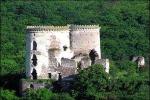 На продажу выставлен замок крестоносца вместе с островом