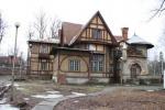Огнем и рублем. В Петербурге исчезают последние шедевры деревянного зодчества