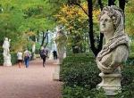 «Вокруг нас разразилось сражение». Древние статуи в питерском Летнем саду заменят «синтетическими» копиями