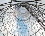 За Шуховской башней не заржавеет. Началась реконструкция Шаболовской (Шуховской) телебашни. 165 миллионов рублей уже выделило на эти цели Минсвязи РФ.
