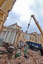 Юсуповскому дворцу подломили колонны