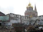 Храм в Кадашах разрушат ради элитного жилья? Из-за строительства в центре Москвы может уйти под землю памятник архитектуры XVII века