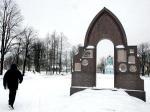 Одним позором будет меньше. Памятник «Первостроителям Петербурга» у Сампсониевского собора должны восстановить