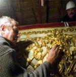 Золотых дел мастер. Юрий Лужков настаивает на особой отделке внутреннего убранства Большого театра