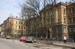 Аисты будут садиться на крышу отеля. Туристическую инфраструктуру разовьют под окнами роддома, где родился Путин