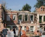 Реставрация бульдозером. В погоне за прибылью строительные компании уничтожают архитектурные памятники