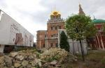 Памятник раздора. Власти и общественность не могут поделить храм в Кадашах