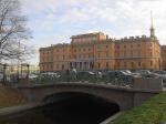 Петербургу придется делиться памятниками